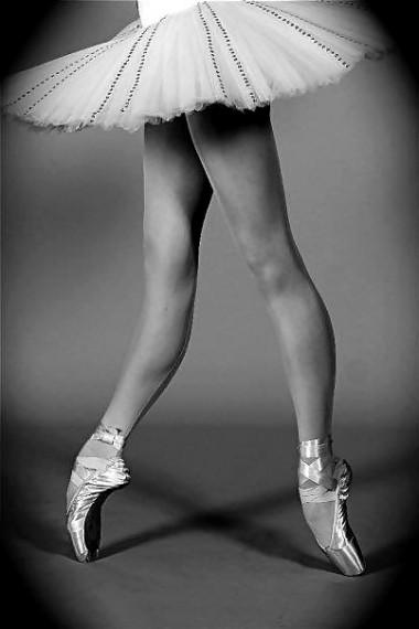 ballerina knees